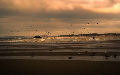 A kitesurf vagy a windszörf tanulható meg könnyebben?